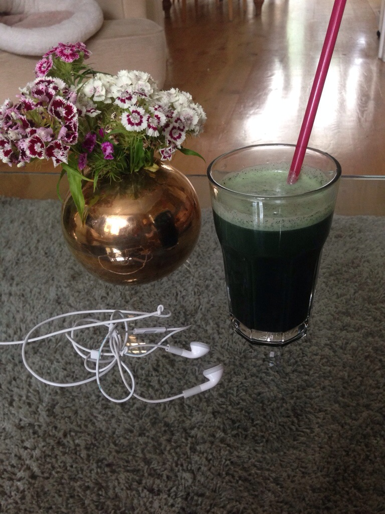 If the juice looks a bit greener than usual it is because of the added Spirulina...